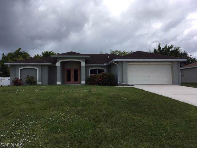 126 SW 21st Ln, Cape Coral, FL 33991 (MLS #219062224) :: RE/MAX Realty Team