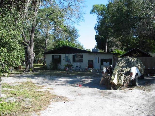 353 Santa Barbara St, North Fort Myers, FL 33903 (MLS #219065869) :: Palm Paradise Real Estate