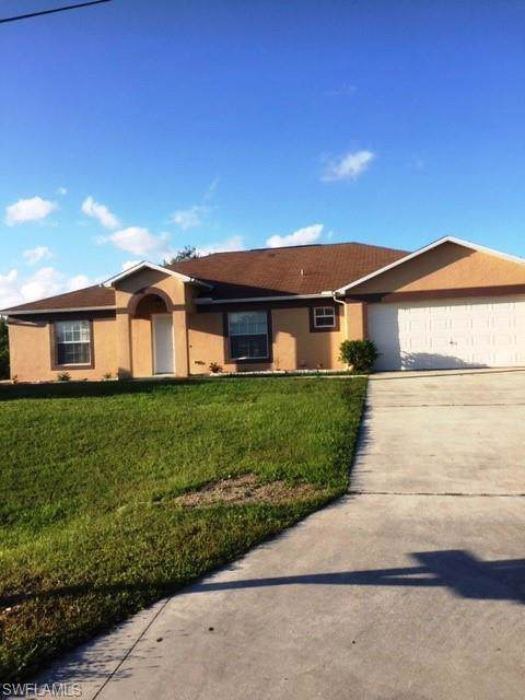 3716 17th St SW, Lehigh Acres, FL 33976 (MLS #219067633) :: #1 Real Estate Services