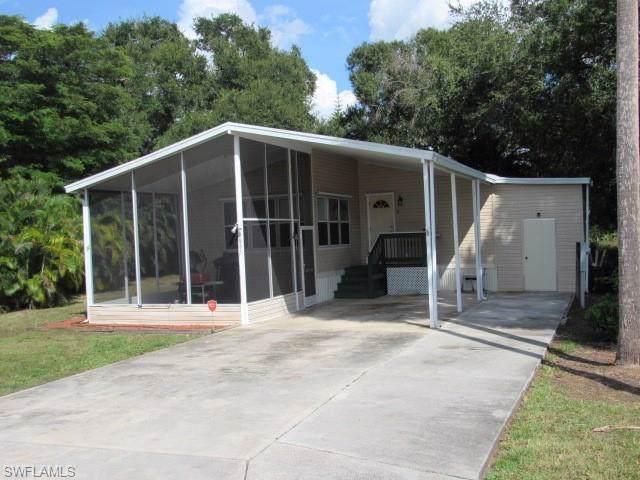 2635 Zoysia Ln, North Fort Myers, FL 33917 (MLS #219068195) :: Sand Dollar Group
