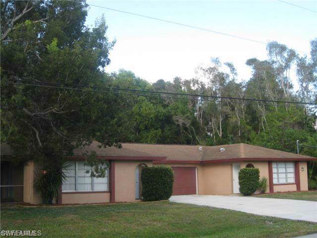 7675 Winged Foot Dr, Fort Myers, FL 33967 (#219069385) :: The Dellatorè Real Estate Group