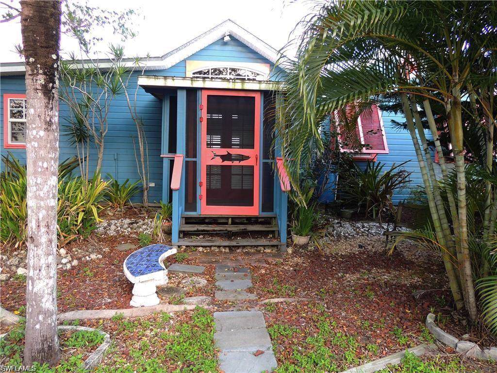 2602 Pine Street - Photo 1