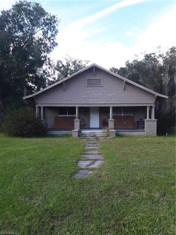 301 Hillsborough Avenue N, Arcadia, FL 34266 (#219074575) :: Jason Schiering, PA