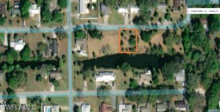 335 4th Ave, Labelle, FL 33935 (MLS #219076248) :: Clausen Properties, Inc.