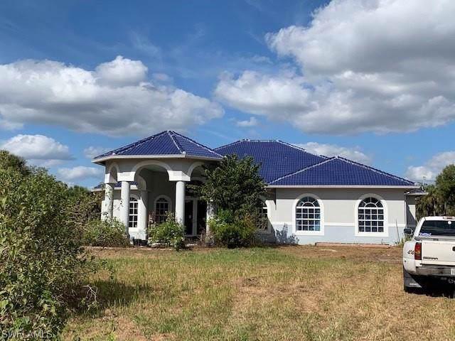 3985 26th Ave SE, Naples, FL 34117 (MLS #219078342) :: Kris Asquith's Diamond Coastal Group