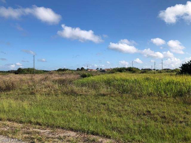 9016 N Largo Ct, Labelle, FL 33935 (MLS #219078353) :: Clausen Properties, Inc.