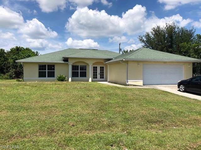 2620 NW 3rd Ave, Cape Coral, FL 33993 (#219080894) :: The Dellatorè Real Estate Group