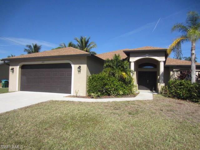 203 SE 19th Ter, Cape Coral, FL 33990 (MLS #219081036) :: #1 Real Estate Services