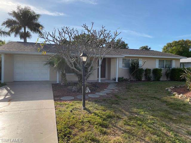 5242 Sunnybrook Ct, Cape Coral, FL 33904 (#219081047) :: The Dellatorè Real Estate Group