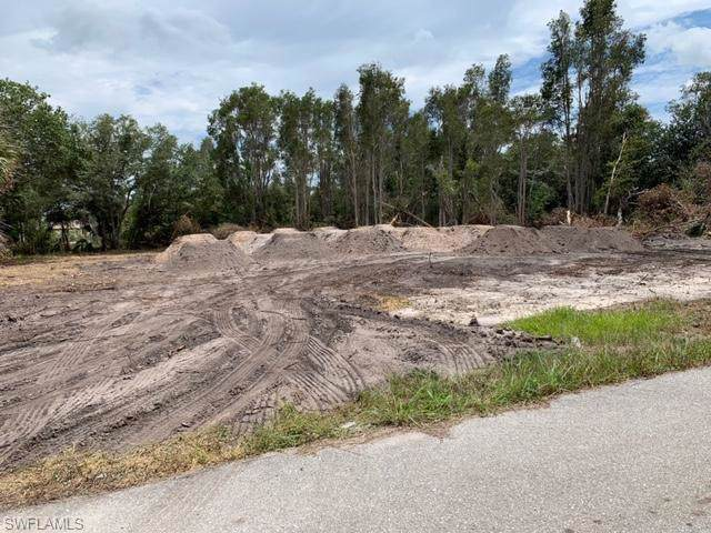 3011 43rd St SW, Lehigh Acres, FL 33976 (MLS #219081928) :: #1 Real Estate Services