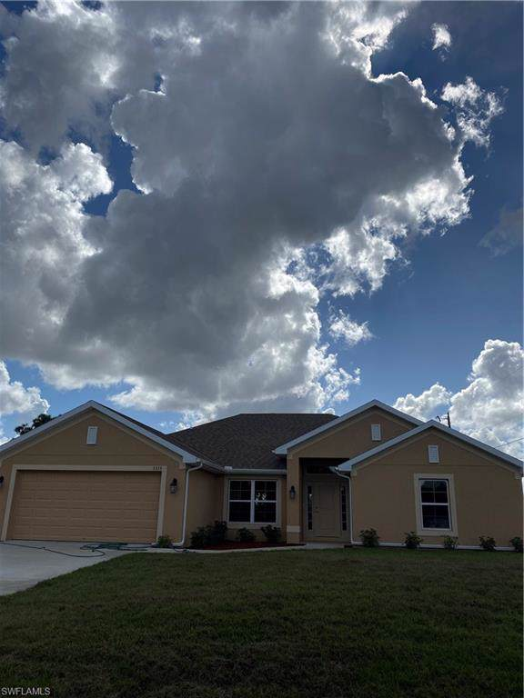 3819 15th St SW, Lehigh Acres, FL 33976 (MLS #219082443) :: Palm Paradise Real Estate