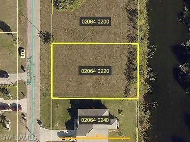 1335 NE 13th Pl, Cape Coral, FL 33909 (MLS #219082459) :: Palm Paradise Real Estate