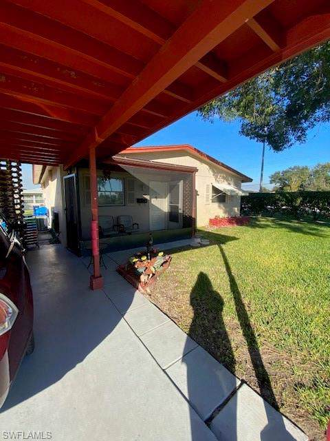 2201 Croton Court, Lehigh Acres, FL 33936 (MLS #220003101) :: RE/MAX Realty Team