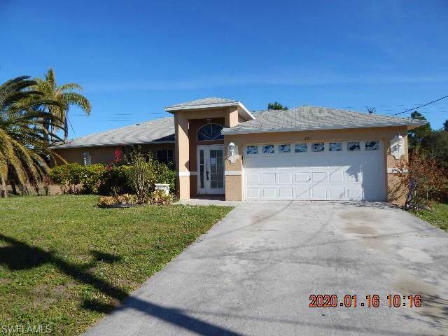 231 Rue Labonne Rd, Fort Myers, FL 33913 (#220004927) :: The Dellatorè Real Estate Group