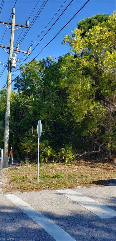 5500 Stringfellow Rd, St. James City, FL 33956 (MLS #220009705) :: Clausen Properties, Inc.