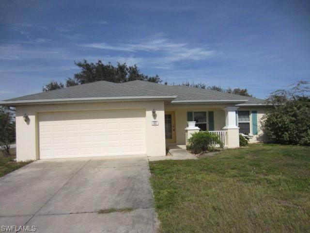1901 NE 18th St, Cape Coral, FL 33909 (MLS #220010366) :: Eric Grainger | NextHome Advisors