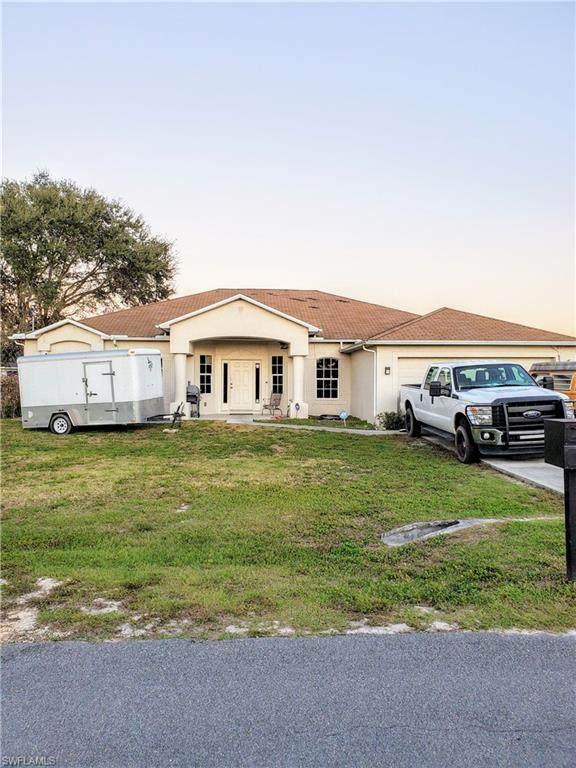 823 Umber Dr, Fort Myers, FL 33913 (MLS #220010640) :: SandalPalms Group