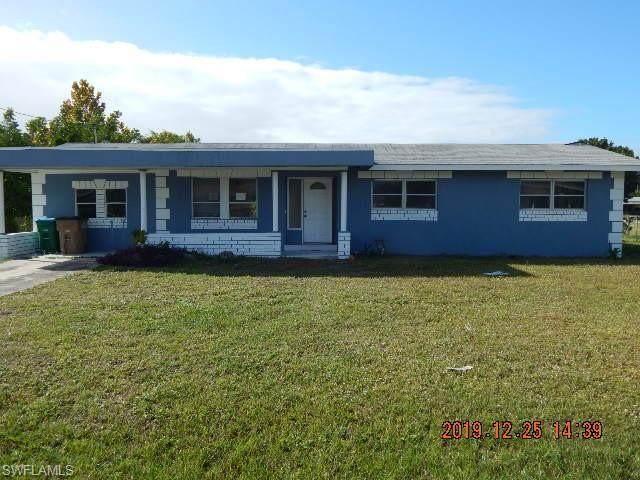 422 NE 15th Ave, Cape Coral, FL 33909 (MLS #220014206) :: RE/MAX Realty Team