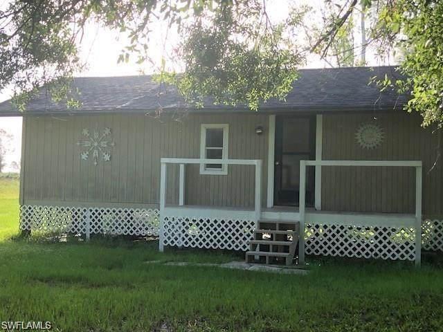 3730 Fernwood Ln SW, Labelle, FL 33935 (MLS #220014562) :: Clausen Properties, Inc.