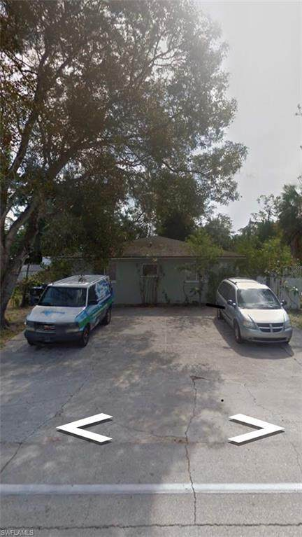 5611 10th Avenue, Fort Myers, FL 33907 (MLS #220021631) :: #1 Real Estate Services