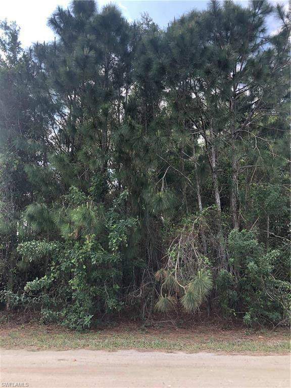6301 Meadow Ln, Bokeelia, FL 33922 (MLS #220022715) :: RE/MAX Realty Team