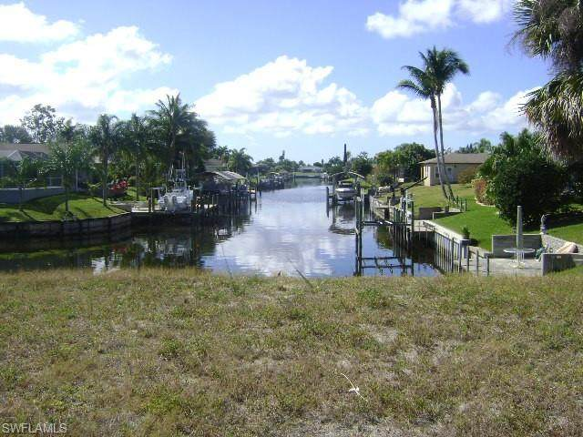 1108 SE 29th St, Cape Coral, FL 33904 (MLS #220023975) :: Clausen Properties, Inc.