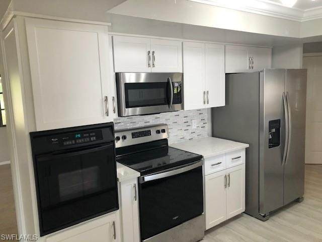 5715 Stonehaven Dr, North Fort Myers, FL 33903 (#220024328) :: The Dellatorè Real Estate Group