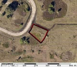 9027 E Castle Cir, Labelle, FL 33935 (MLS #220024545) :: Clausen Properties, Inc.