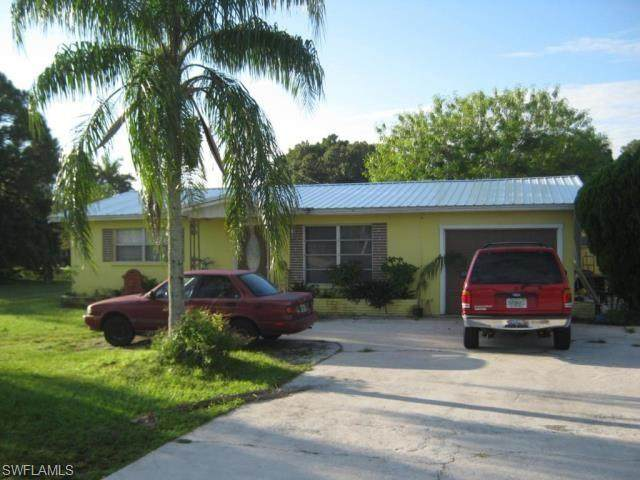 607 Pondella Road, North Fort Myers, FL 33903 (MLS #220028653) :: The Naples Beach And Homes Team/MVP Realty