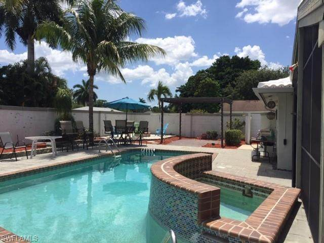 2412 Kent Avenue, Fort Myers, FL 33907 (#220032974) :: The Dellatorè Real Estate Group