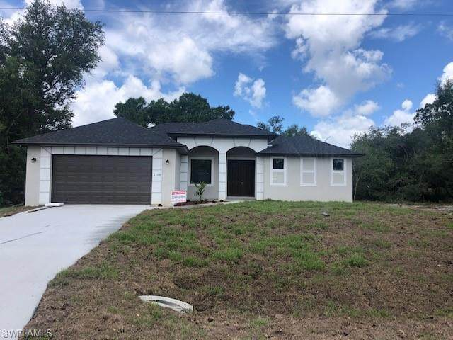 304 E 5th Street, Lehigh Acres, FL 33972 (MLS #220041694) :: RE/MAX Realty Group