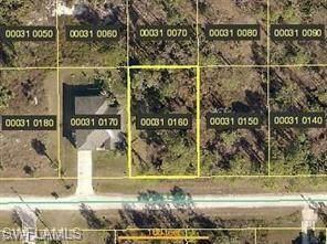 947 Gable Street, Lehigh Acres, FL 33974 (MLS #220042506) :: #1 Real Estate Services