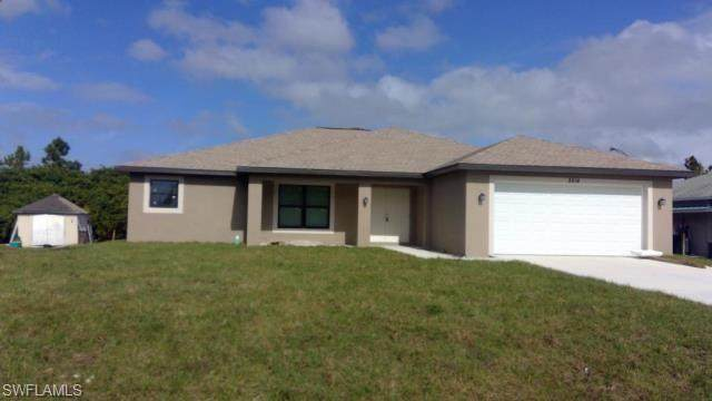 2911 2nd Street W, Lehigh Acres, FL 33971 (MLS #220042946) :: Palm Paradise Real Estate