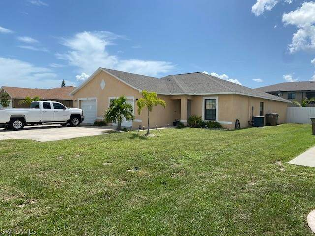 4102 Skyline Boulevard, Cape Coral, FL 33914 (#220046301) :: Southwest Florida R.E. Group Inc