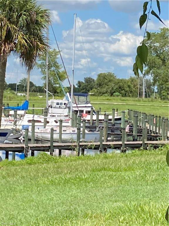 1064 Villa Drive C103, Labelle, FL 33935 (MLS #220048259) :: Waterfront Realty Group, INC.