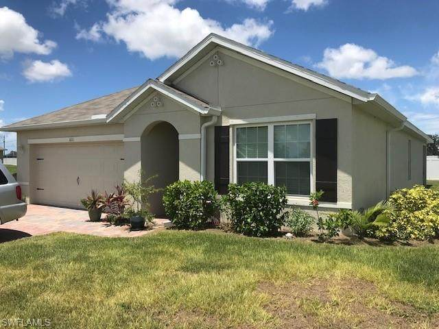 511 NW 26th Street, Cape Coral, FL 33993 (MLS #220048323) :: The Naples Beach And Homes Team/MVP Realty