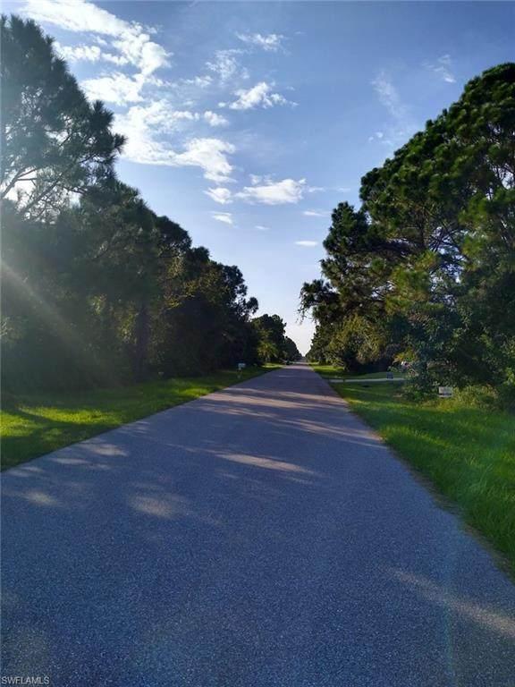 5569 Montego Lane, Port Charlotte, FL 33981 (MLS #220055355) :: Florida Homestar Team