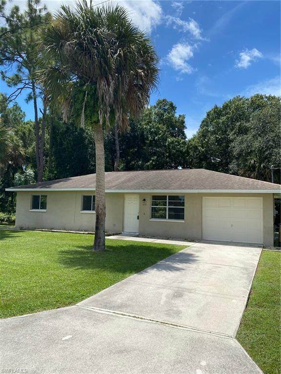 233 Vermont Way, Lehigh Acres, FL 33936 (MLS #220058397) :: Florida Homestar Team