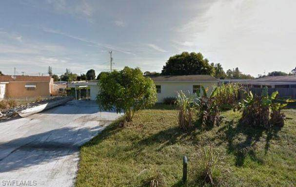 12 Abaco Street, Lehigh Acres, FL 33936 (MLS #220058992) :: RE/MAX Realty Group