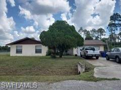 720 Calvin Avenue, Lehigh Acres, FL 33972 (MLS #220061645) :: RE/MAX Realty Team