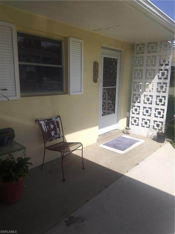 2204 E 5th Street, Lehigh Acres, FL 33936 (#220064820) :: Jason Schiering, PA