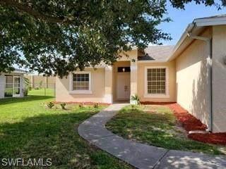 975 Grove Drive, Naples, FL 34120 (#220065999) :: The Dellatorè Real Estate Group