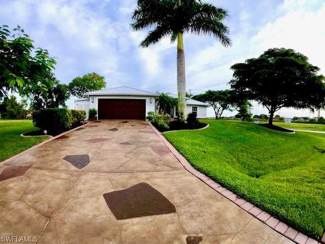 2013 NE 15th Street, Cape Coral, FL 33909 (#220067088) :: The Dellatorè Real Estate Group