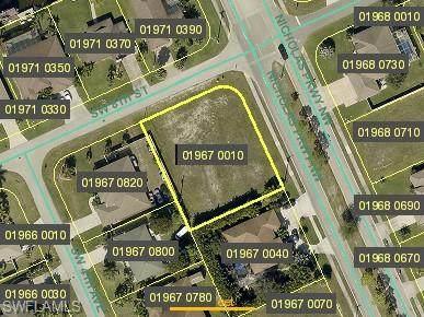 804 Nicholas Parkway W, Cape Coral, FL 33991 (MLS #220067323) :: Team Swanbeck