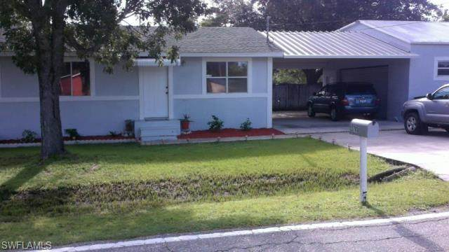 2700 Parker Avenue, Fort Myers, FL 33905 (MLS #220067775) :: Uptown Property Services
