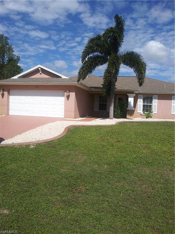 1719 NE 34th Street, Cape Coral, FL 33909 (#220068180) :: We Talk SWFL