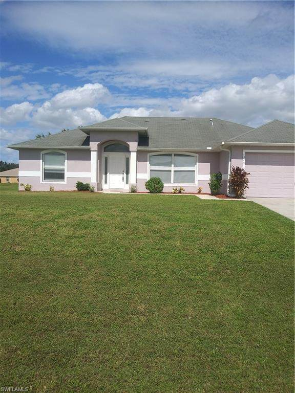 1325 NW 11th Terrace, Cape Coral, FL 33993 (MLS #220068188) :: Clausen Properties, Inc.