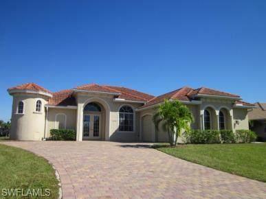 11932 Princess Grace Court, Cape Coral, FL 33991 (#220068575) :: The Dellatorè Real Estate Group