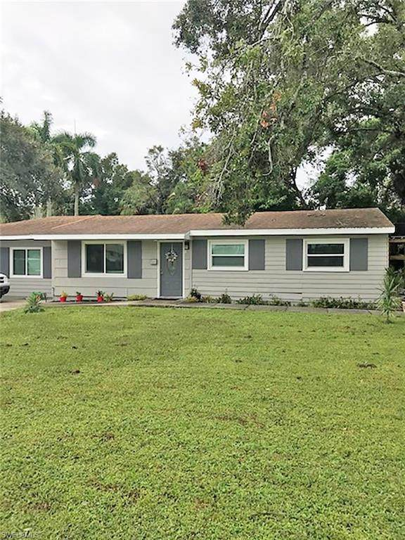 2472 Congress Street, Fort Myers, FL 33901 (#220068782) :: The Michelle Thomas Team