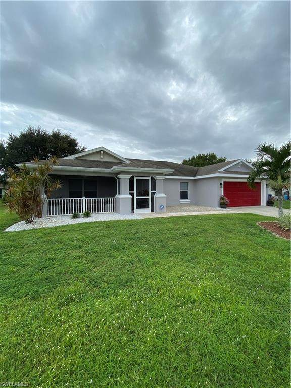 Lehigh Acres, FL 33974 :: The Naples Beach And Homes Team/MVP Realty